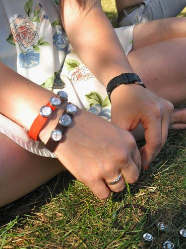 Navarra - red leather cessation bracelet