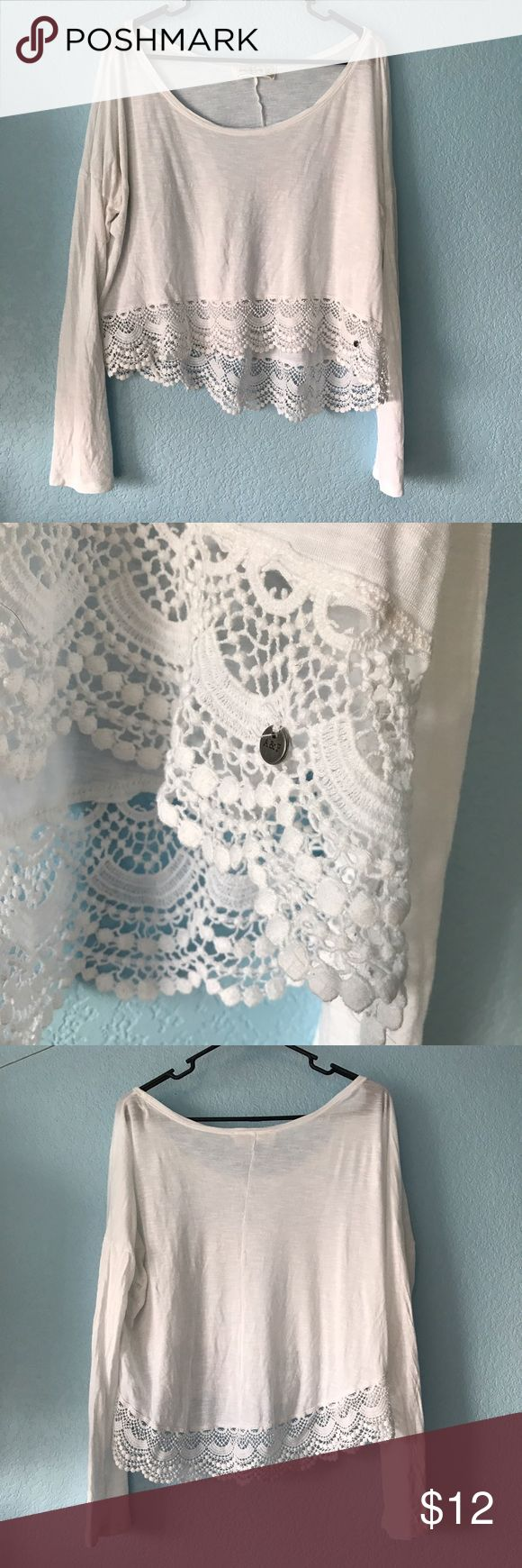 Lace hem Long Sleeve I love this shirt! EUC! Pretty lace hem, kind of high low style! Abercrombie & Fitch Tops