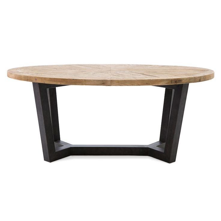 Овальный деревянный обеденный стол на больших металлических серых ножках