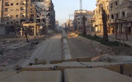Vidéo : une heure dans un char de l'armée syrienne - Konbini