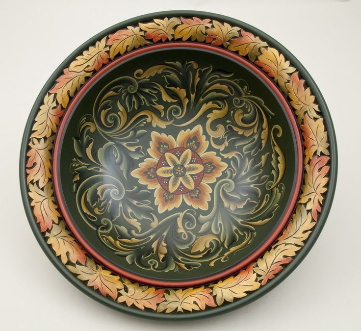 rosemaling   1235 Bowl with Gubrandsdal rosemaling and chip carved free-style leaf ...
