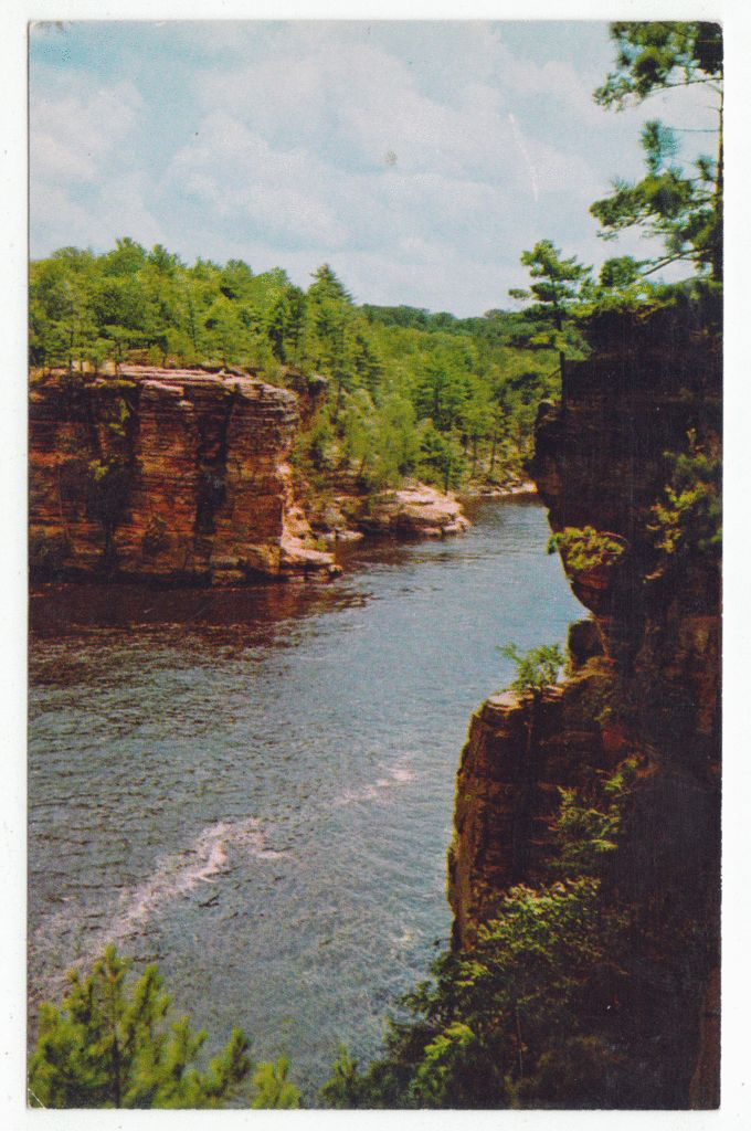Postcards - United States #  700 - High Rock from Romance Cliff, Dell of Wisconsin River, Wisconsin