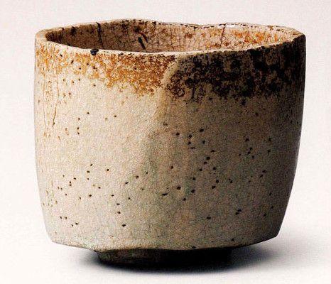 本阿弥光悦(1558-1637)作 白楽茶碗 銘「冠雪」(個人蔵)。