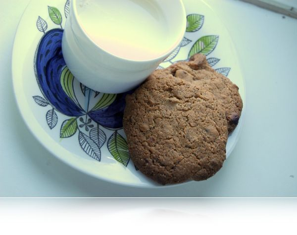 MILK-AND-COOKIES...småkager med lakrids!