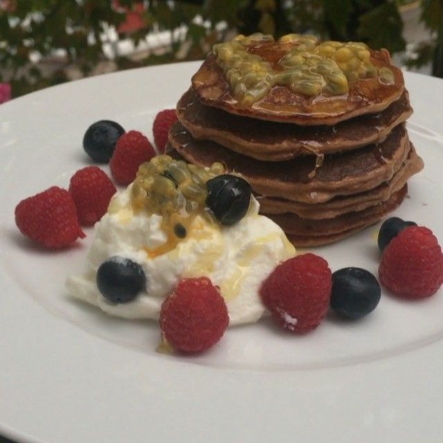 My lean in 15 protein pancakes featuring a man who goes by the name of #Chesty  #leanin15 #Pancakes