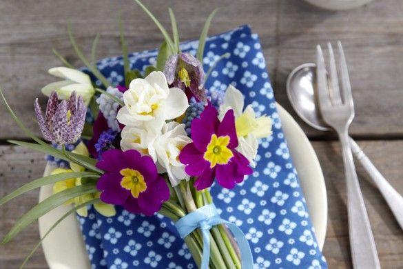 20 best flower arranging with primroses images on pinterest flower arrangements primroses and. Black Bedroom Furniture Sets. Home Design Ideas
