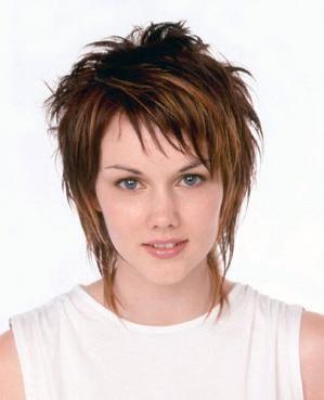 cool Short Shag Hairstyles For Women Over 50 | Celebrity Medium Hairstyles - Medium H...