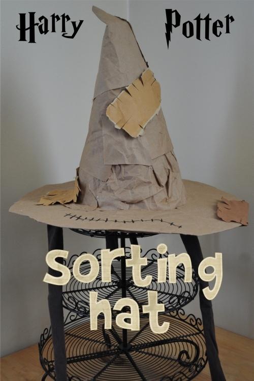 Harry Potter Sorting Hat {Tutorial} | Alison's Wonder Scraporium - alisonswonderscraporium.blogspot.com