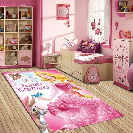 Roze Disney tapijt voor de meisjeskamer. Dit mooie en originele grote tapijt maakt van elke kinderkamer een echte prinsessenkamer.