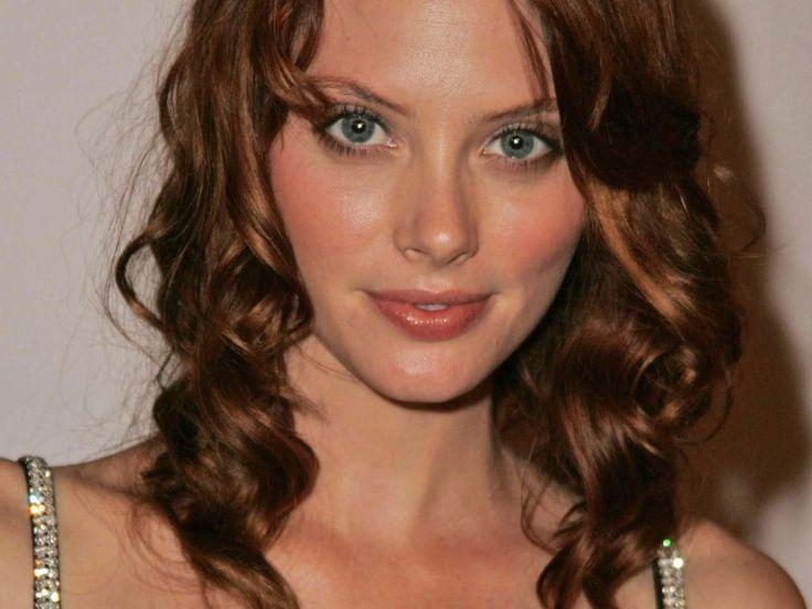 kandi-darstellerin-april-bowlby-mit-roten-haaren.jpg (1024×768)