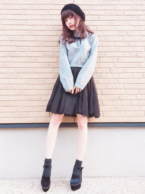 evelyn × 前田希美 コラボセットアップを 着てみました。トップスが少しミニ丈なのでスタイルア