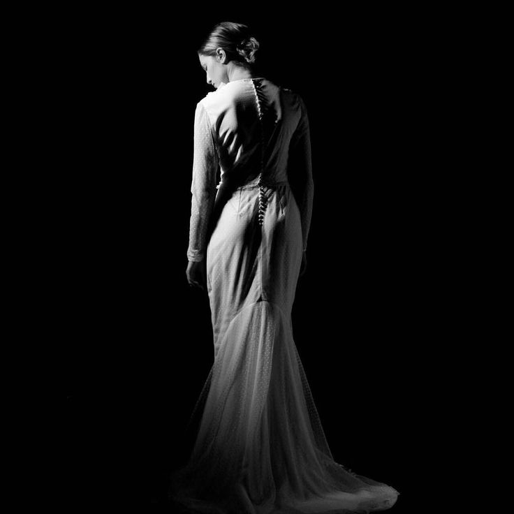 Wedding dress shooting___#photography #artphoto #wedding #professional #weddingdress #shooting #hairstyle #weddinghair #dettails #texture #passionart #professional #emotionalartist #work #passion #photographer #photoshoot #lovemywork #blackandwhite #shadow #curves