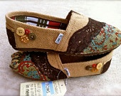 Custom fabric Toms --too cute!Tom Outlets, Custom Tom, Fashion Shoes, Burlap Tom, Clothing, Tom Shoes, Girls Fashion, Bohemian Style, Girls Shoes