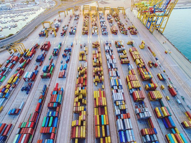Kubernetes on Microsofts Azure Container Service is now generally available Kubernetes the Google-incubated open source container orchestration system is quickly becoming the de facto standard for managing large container deployments.Microsoftlaunched a preview of support for Kubernetesin its Azure Container Service last year; today it is taking this service out of beta and making it generally available.  This means the service is now backed by an SLA and users will be able toget support…