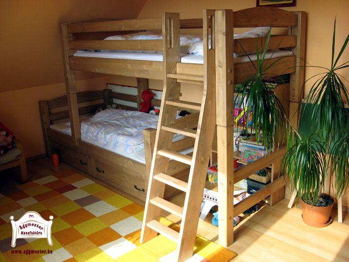 Pontjó emeletes ágy elcsúsztatott kivitelben