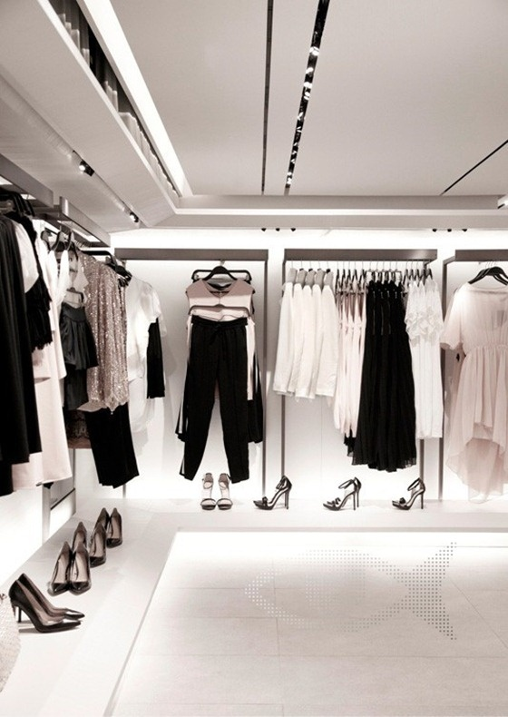 retailing and zara With the rise of e-commerce, news of massive store closures and bankruptcies for legacy retail brands have become business as usual in today's economy but according to experts in the industry, the retail apocalypse will not lead to the desolate and abandoned brick-and-mortar landscape that many.