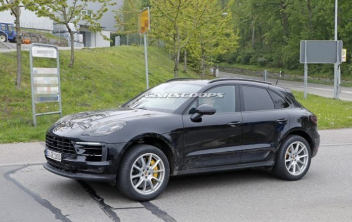 More images of the Porsche Macan 2019 on the test track