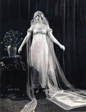 vintage 1920s wedding dresses