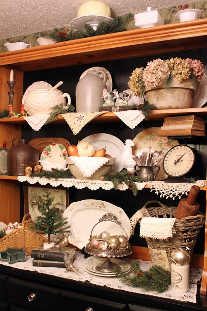 Itsy Bits and Pieces: hutch display