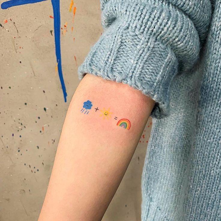 Many tattoo design ideas are beautiful and inspiring for girls like rose flower tattoos, wolf tattoos and butterfly tattoos. We list 65 beautiful and inspiring tattoo design ideas for your choice. Mini Tattoos, Cute Tiny Tattoos, Dream Tattoos, Little Tattoos, Pretty Tattoos, Future Tattoos, Body Art Tattoos, Small Tattoos, Tatoos