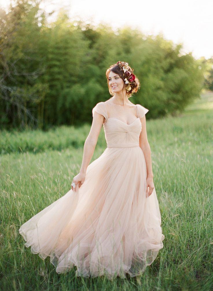 Photography: Kayla Barker Fine Art Photography - www.kaylabarker.com  Read More: http://www.stylemepretty.com/2014/06/13/a-red-blush-gold-romantic-shoot/