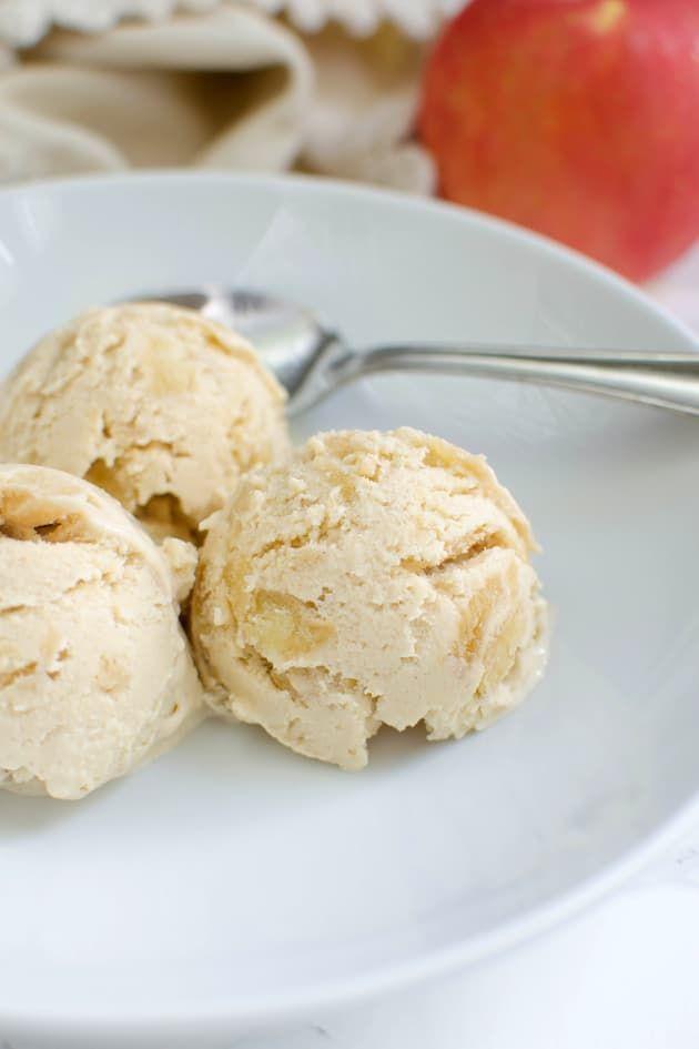 Paleo Apple Pie Ice Cream has creamy coconut milk and chunks of Granny Smith apples. Could it get any better?! #paleo #icecream