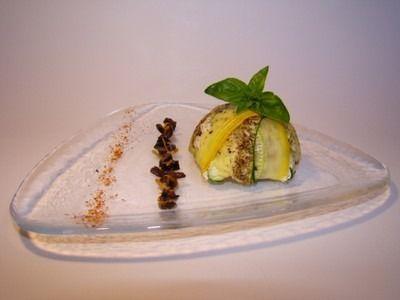 Recette - Dôme de courgettes verte et jaune, cabillaud, petits poivrons et piment d'Espelette, vinaigrette d'orange aux olives noires   750g