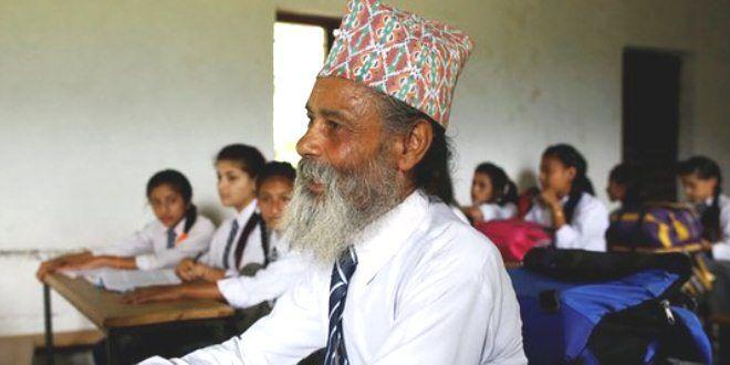 Edupost.id – Meski sudah berusia 68 tahun, seorang kakek di Nepal tak malu untuk kembali bersekolah. Ia tetap bersemangat belajar…