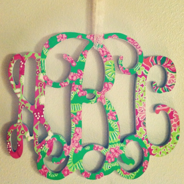 Adorbs :) [Lilly monogram.]Decor, Lilly Monograms, Monograms Letters, Ideas, Lilly Pulitzer, Dorm Room, Monogram Letters, Diy, Crafts