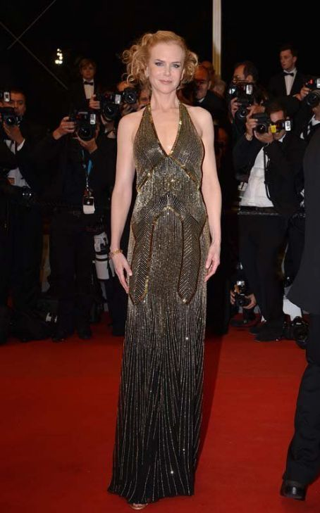 """Nicole Kidman in Ralph Lauren Collection at the premiere of """"Hemingway & Gellhorn"""" in 65th Cannes Film Festival"""