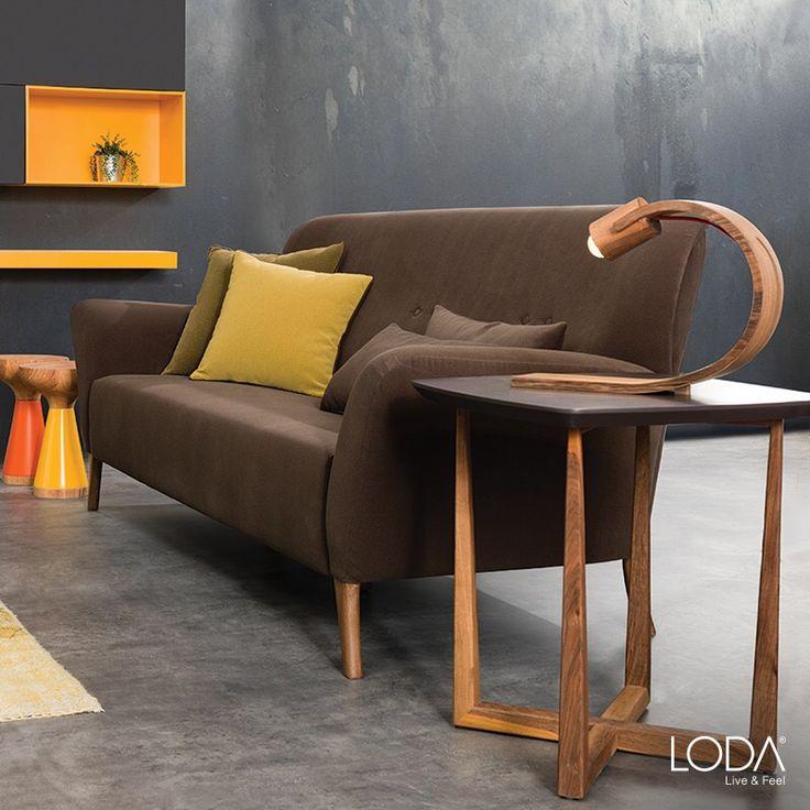 İstediğinizde iç içe geçirerek zigon olarak da kullanabileceğiniz mat, doğal ahşap, modern, özgün tasarımlı Siena Yan Sehpa.