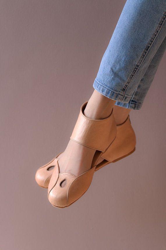Sapato, nud, lindo. Moderno