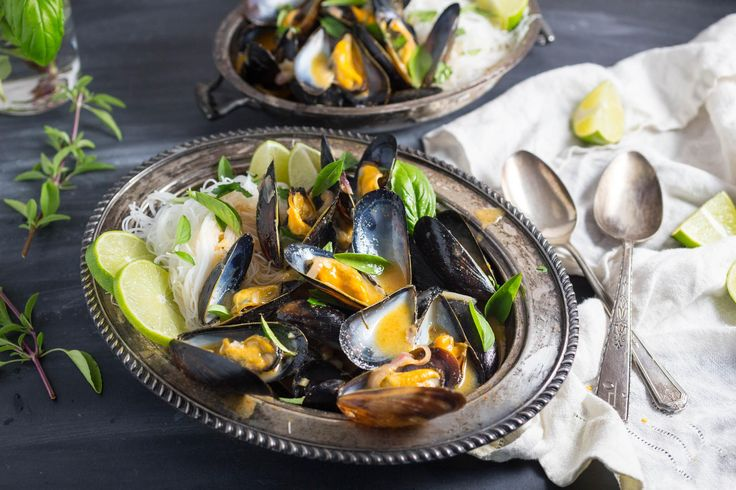 Thai red curry, Mussels and Rice noodles on Pinterest