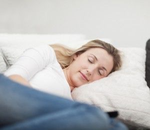 Daytime naps may hold the key to treating insomnia, Flinders University researchers believe.