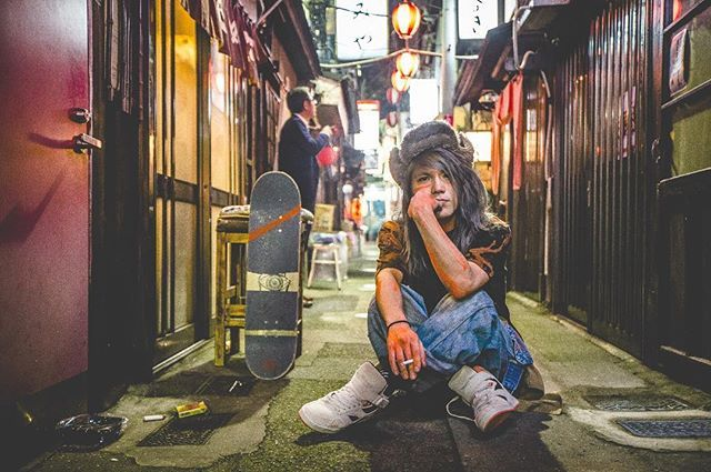 Street Shooting for @supratokyo 10th anniversary event × @fljtokyo 高校生の頃にJim Grecoに憧れて履き始めたSupra。今回は10周年イベントの写真展示に参加させて頂きました、店舗にて特別冊子がゲット出来るそう @supratokyo @akira_hirabayashi 10周年おめでとうございます Photo by @cazrowaoki