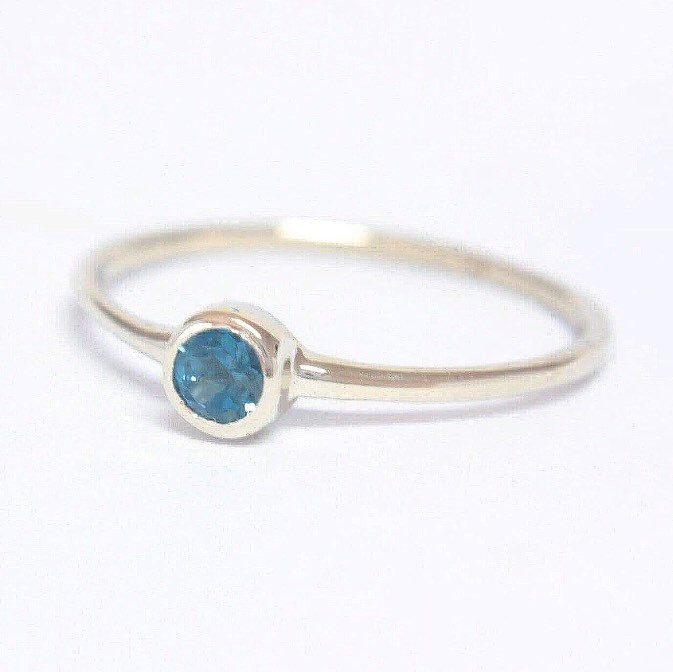 Blue Topaz in White Gold 💙