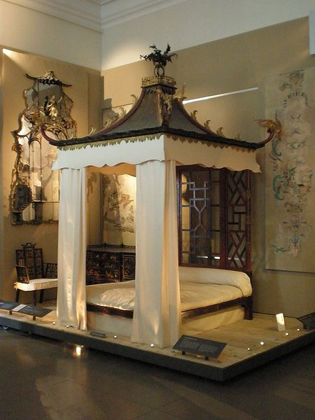 Antique English Chinoiserie Bed, from the workshop of William and John Linnell in 1754