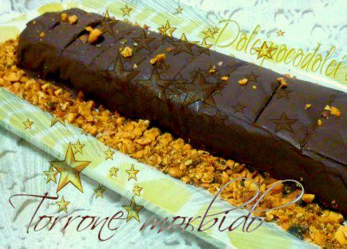 Torrone morbido ricoperto da cioccolato fondente goloso e croccante. SENZA STAMPO ma PERFETTO facile veloce da preparare. Il segreto per stendere il cioccol