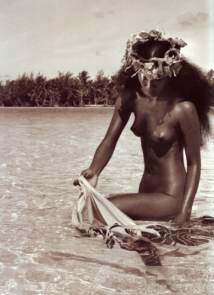 Native Tahiti Women Nude  All Tribes Are The Same -5199