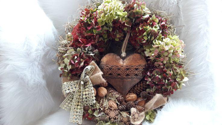 Velké+srdce+Velký+přírodní+věnec+,+hustě+vázaný+s+plechovým+srdcem+......38cm