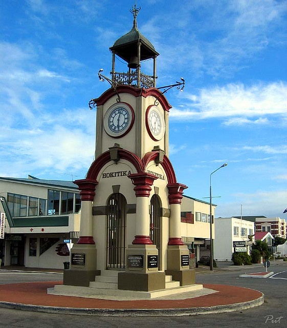 At the intersection of Weld and Sewell Streets, the Hokitika clock tower is a memorial to soldiers who dies in the Boer War in South Africa. It also commemorates the Coronation of Edward VII. Built by Parkinson and Co of Auckland, it cost a thousand pounds. It was unveiled by Prime Minister R J Seddon and his wife 3 June 1903.