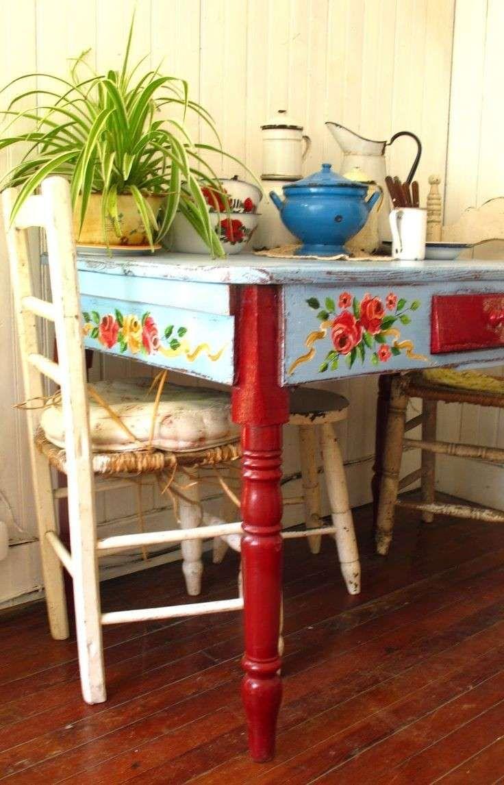 Tavoli Da Cucina Colorati.Decorare Un Tavolo Da Cucina Idea Di Decorazione Mobili