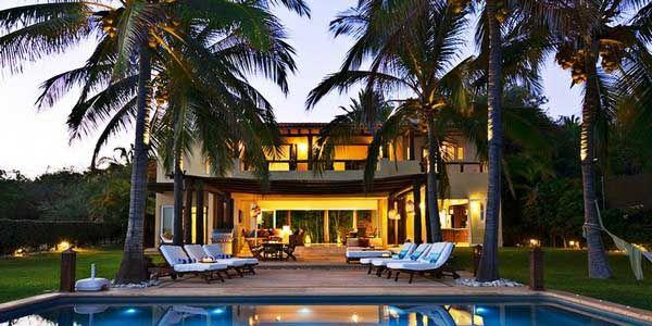 villa design ideas Exotic Luxury Villa Design Idea For Lighting With Beautiful Natural Garden
