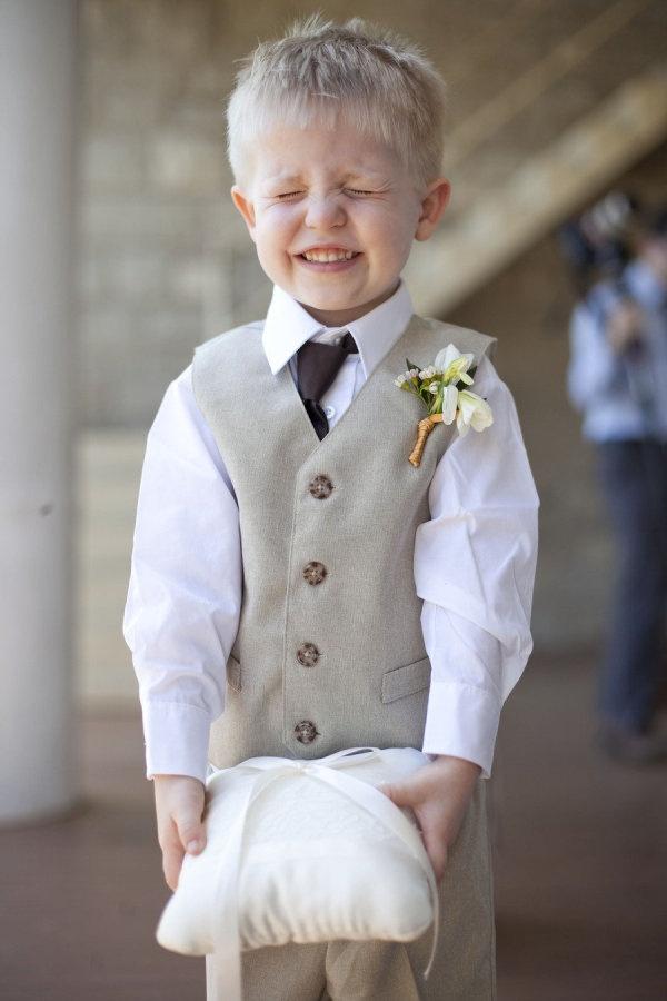 Cute shot of ring bearer wedding pinsperation pinterest for Wedding ring bearer