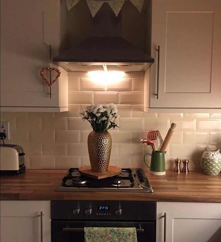 Cream Kitchen Black Worktops: 25+ Best Ideas About Walnut Worktops On Pinterest