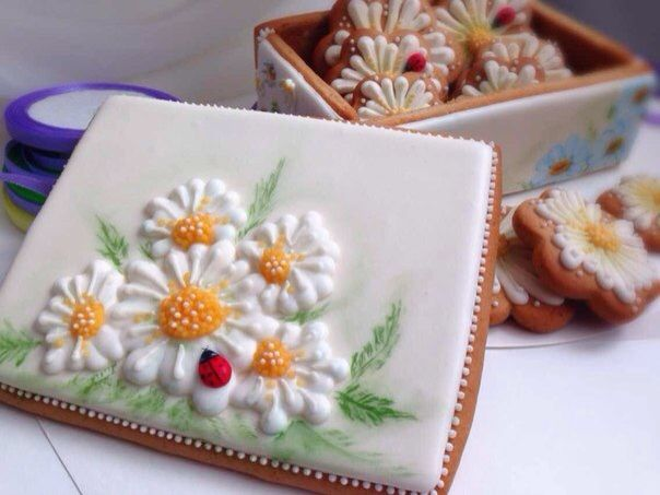 GINGERBREAD HOUSE~Spring gingerbread daisy box. Пряничная шкатулка