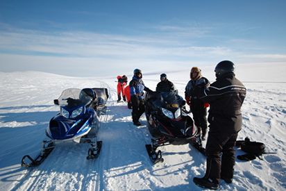 5 hour snowmobile tour with lunch and hot beverage 300,- € per person