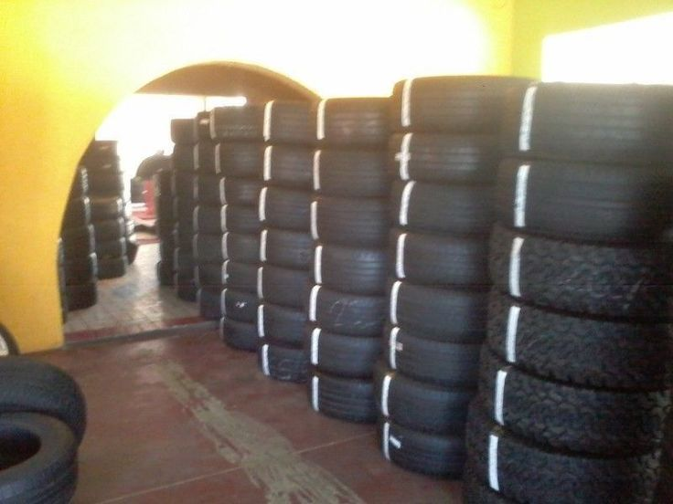 275 30 20 Pirelli on 90% tread @ R 1900 each.GET THE RIGHT SIZE OF YOUR TYRES AND BUY IT SECOND HAND IN AN EXCELLENT CONDITION.Used Bakkie 4 Tyres are For Sale.We do swap.We sell used tyres mags