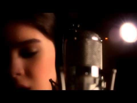 Shawn Mendes & Hailee Steinfeld - I Stitches (Acoustic) - YouTube THIS VERSION IS SO GOOD
