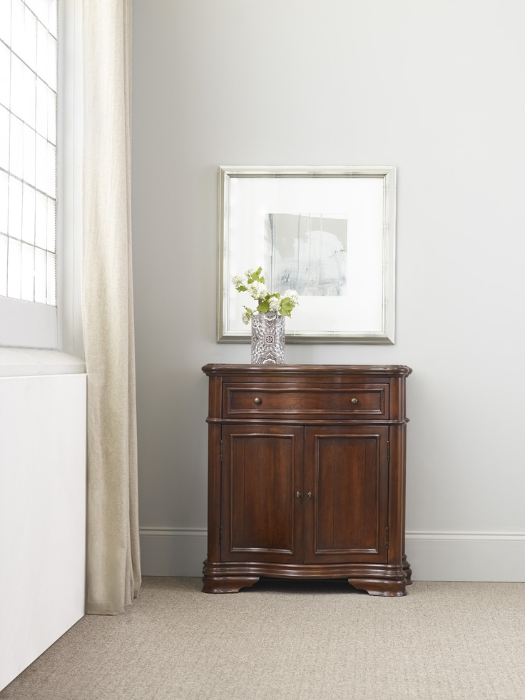 H Contract Furniture | 336 50 106 Waverly Hall Console